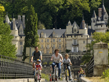 LOIRE VALLEY SECRET CASTLES AND WINE