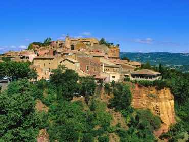 Provence small group Day Tour from Marseille/Aix, Avignon Popes Palace, Luberon, Gordes & Roussillon, expert tour guide 7/7