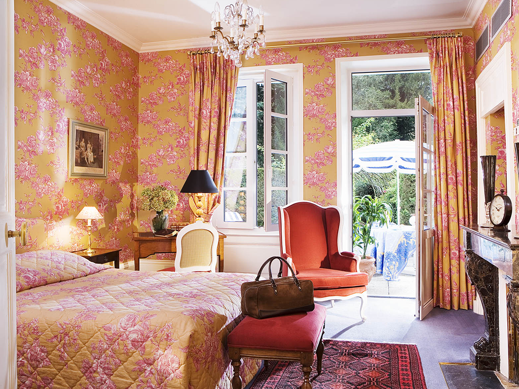 Loire valley super stay luxury 3 day tours and 2 nights for Small luxury hotel group